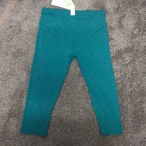Fabletics Pants - Fabletics crop leggings